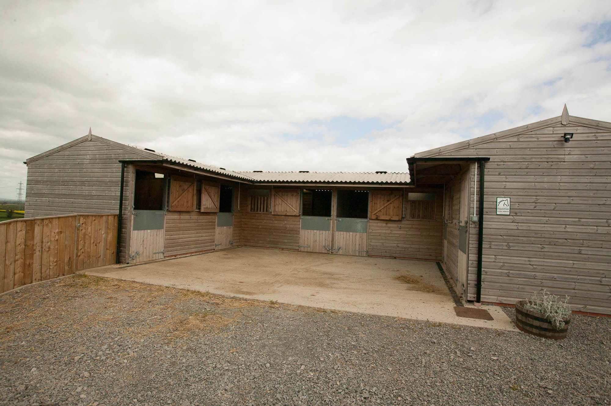 Modern, fully equipped stables and tack room