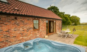 holly-barn-holiday-cottage-1
