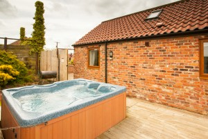 holly-barn-holiday-cottage-2
